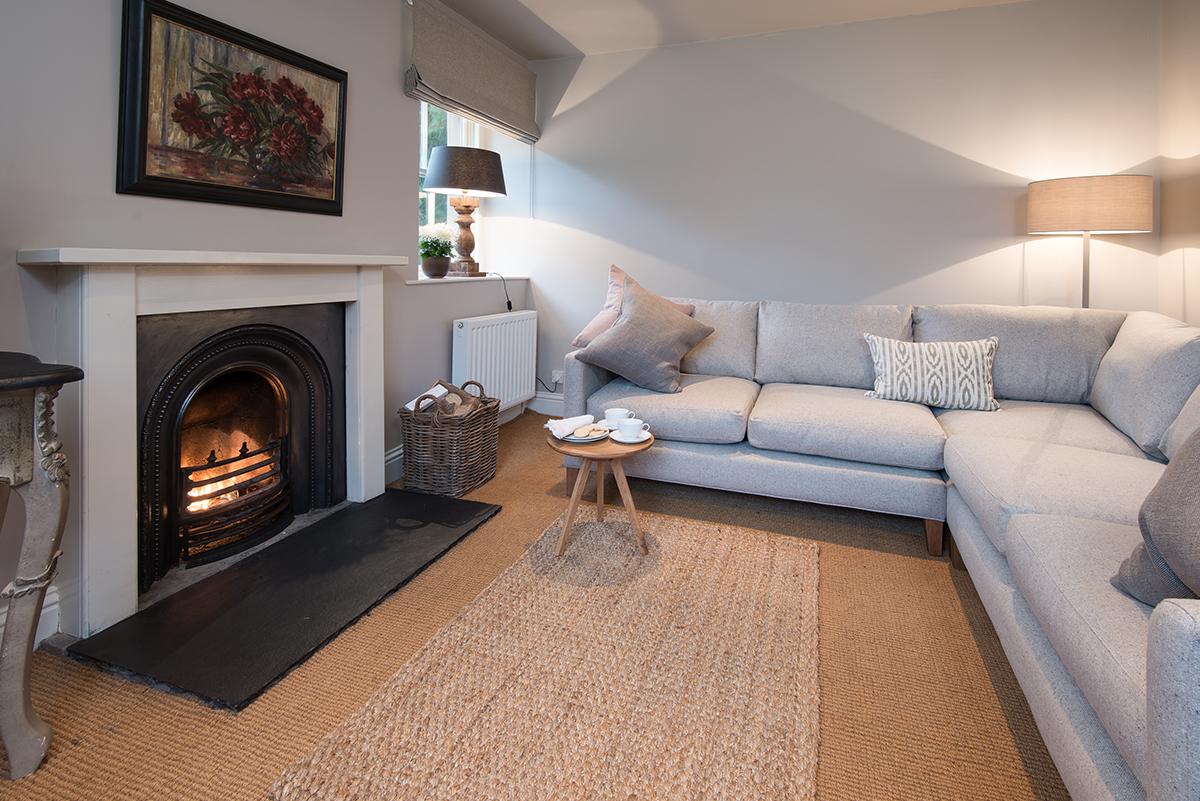 https://talesofthetweed.co.uk/wp-content/uploads/2019/04/Milne-Graden-Garden-House-Holiday-Cottage-Lounge.jpg