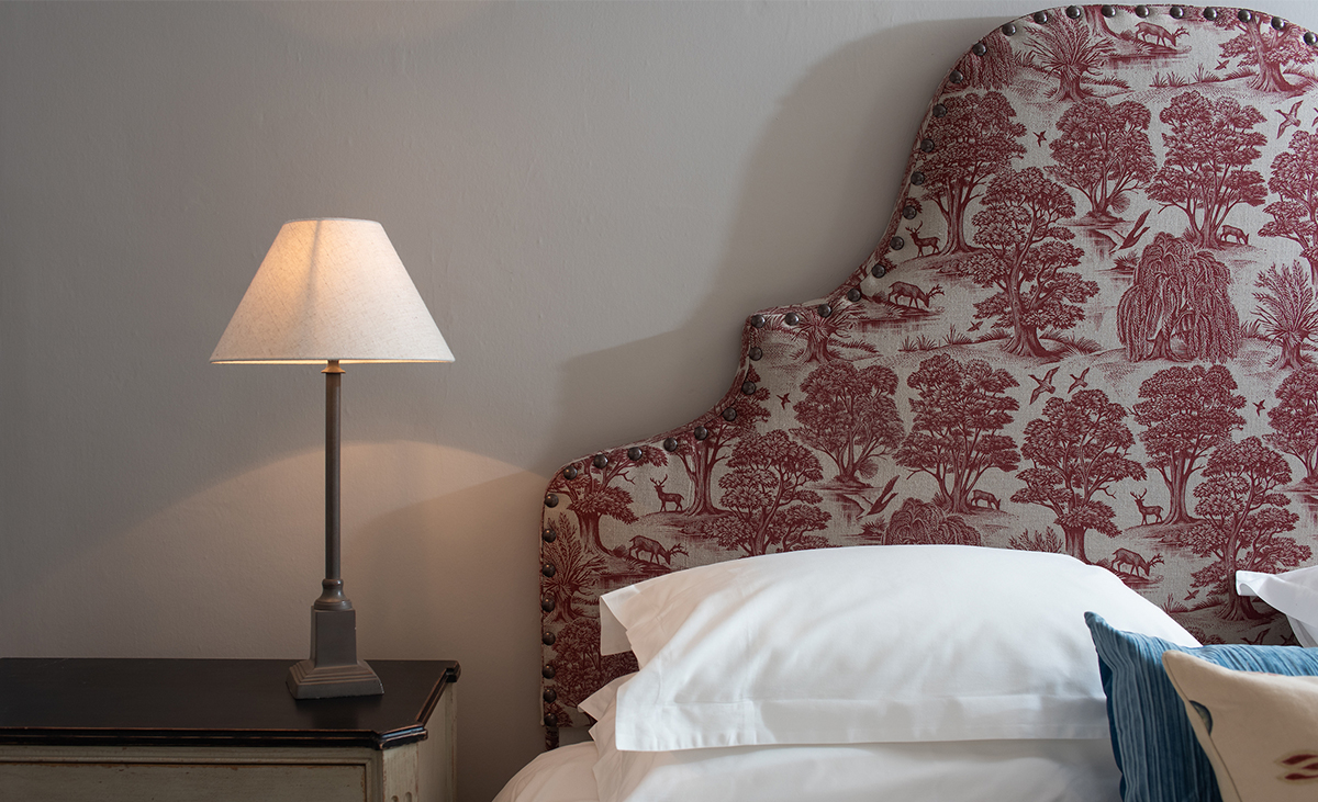 Milne-Graden-Holiday-Cottages-Park-End_andrew_davidson_deer_park-fabric_on_feature-headboard